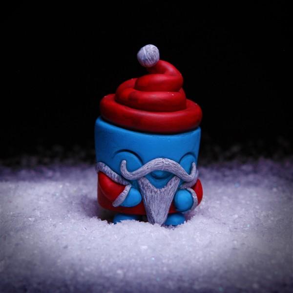 Dee Dee Santa by UMEToys