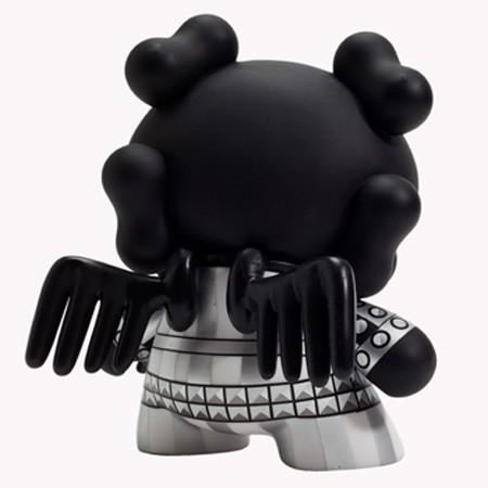 black-skullhead-dunny-8-inch-by-huck-gee 2