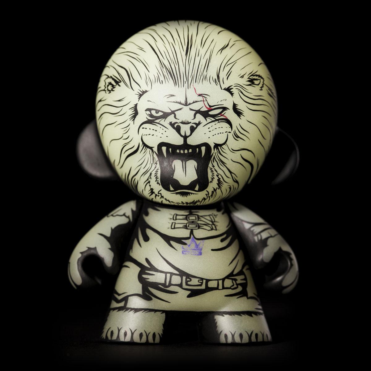 the pilgrim lion Jon-Paul Kaiser GID munny