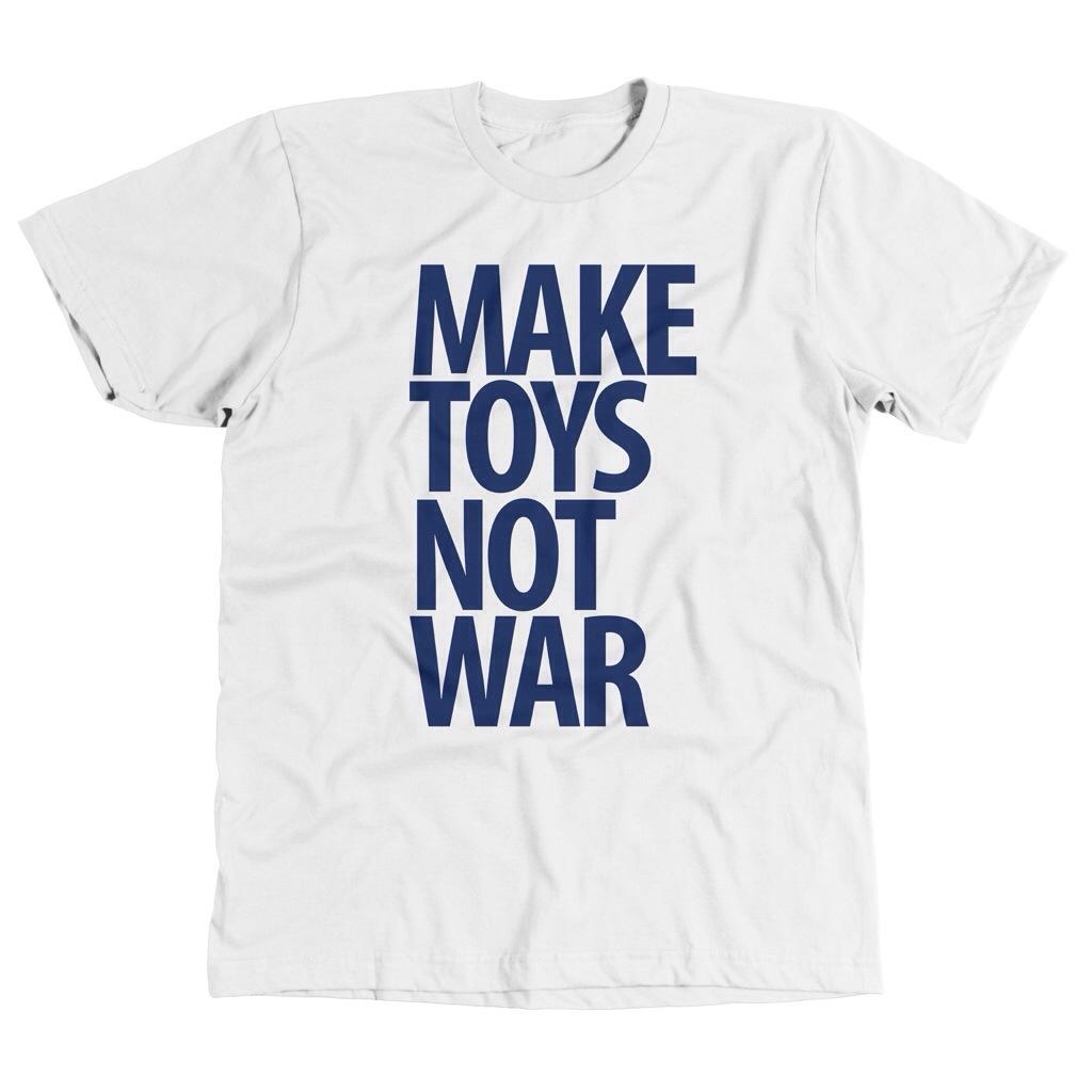 Pobber make toys not war T-shirt white
