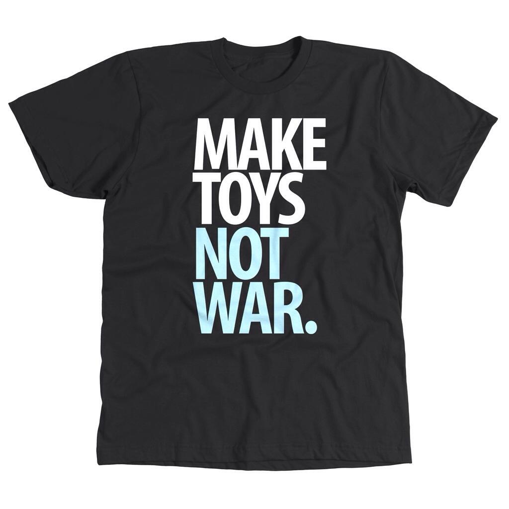 Pobber make toys not war T-shirt black