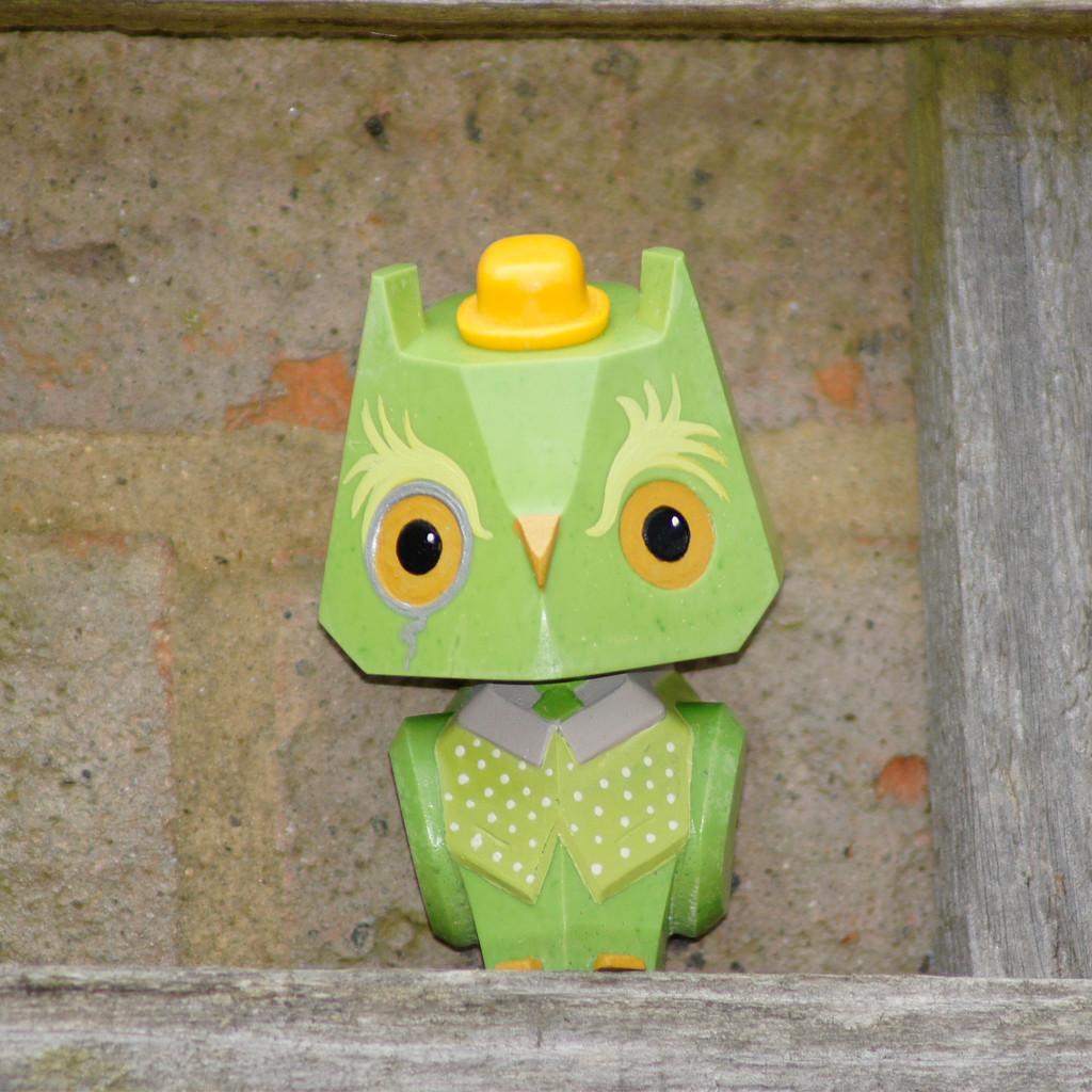 Nemori - 3 Pastel Gentleman Owl Dark Green