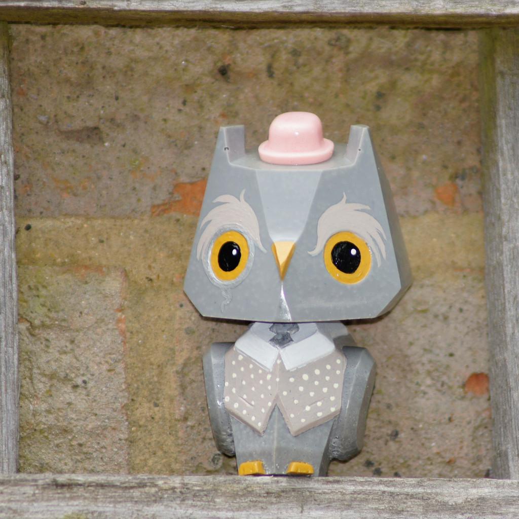 Nemori - 3 Pastel Gentleman Owl Grey