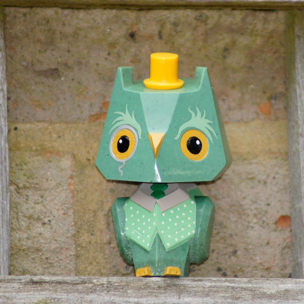 Nemori - Pastel Gentleman Owl Emerald
