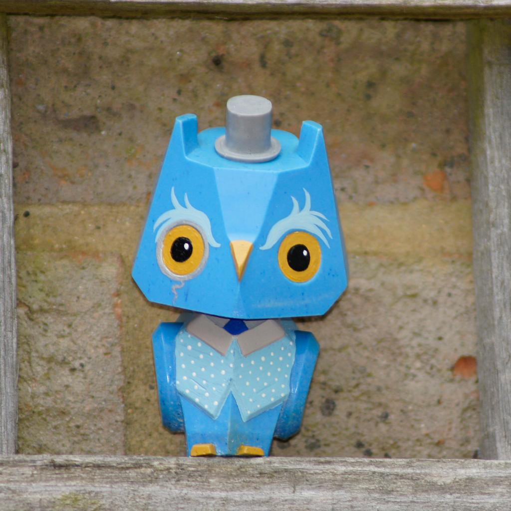 Nemori Pastel Gentleman Owl blue