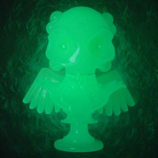 The Shiny Glow in the Dark Skullhead Bust