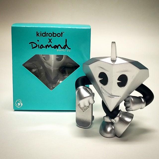 Bate  Sliver coloured Lil Cutty - Diamond Supply Co x KIDROBOT