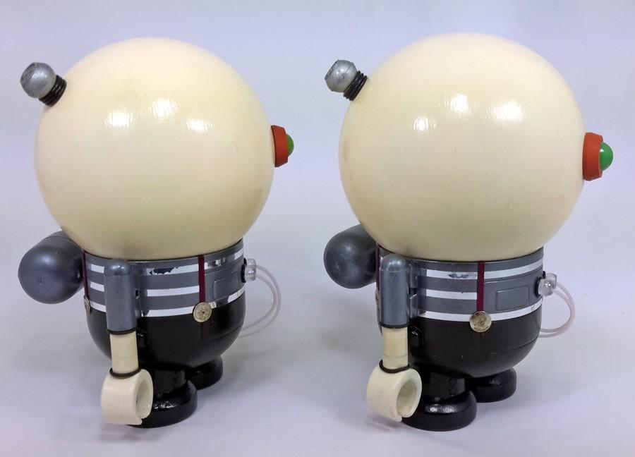 Mike Slobot Tweedlebeep Tweedlebot Fairytales Robots Side
