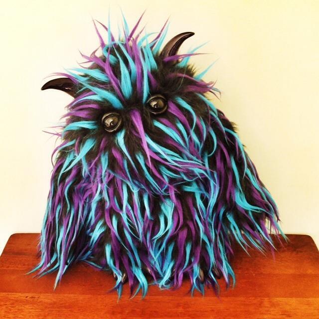 Neese_Monsters_Mecha_Raar_Black_ToyCon
