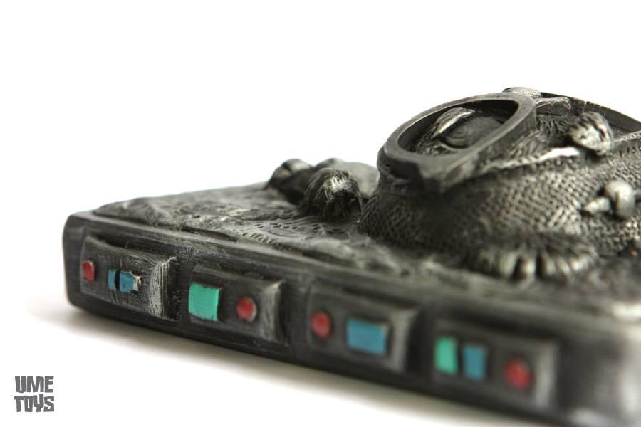 GeekWok in carbonite by UMEToys  Close up