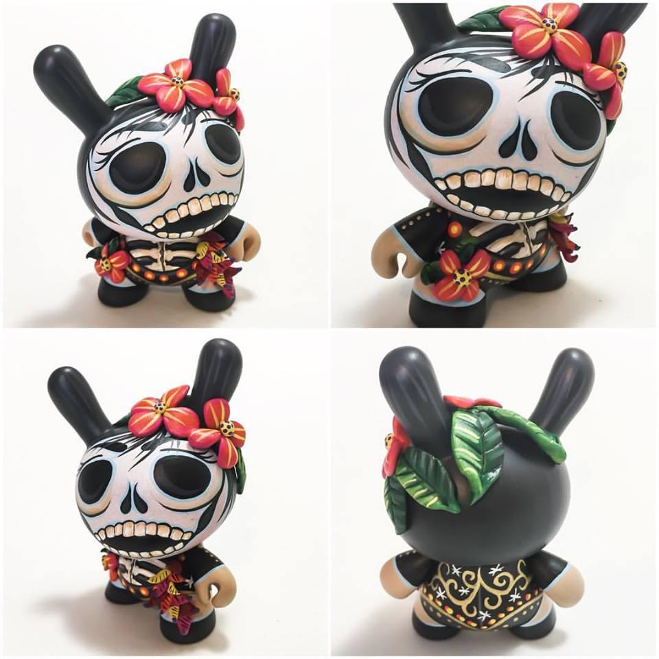 MaloApril custom skeleton Dunny