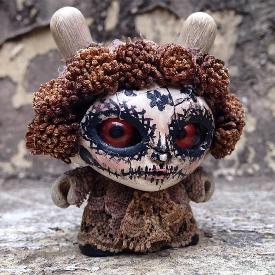 GUELAGUETZA Special edition Día de Muertos by Jump Jumper Ant Kidrobot Dunny brown