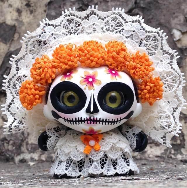 GUELAGUETZA Special edition Día de Muertos by Jump Jumper Ant Kidrobot Dunny white