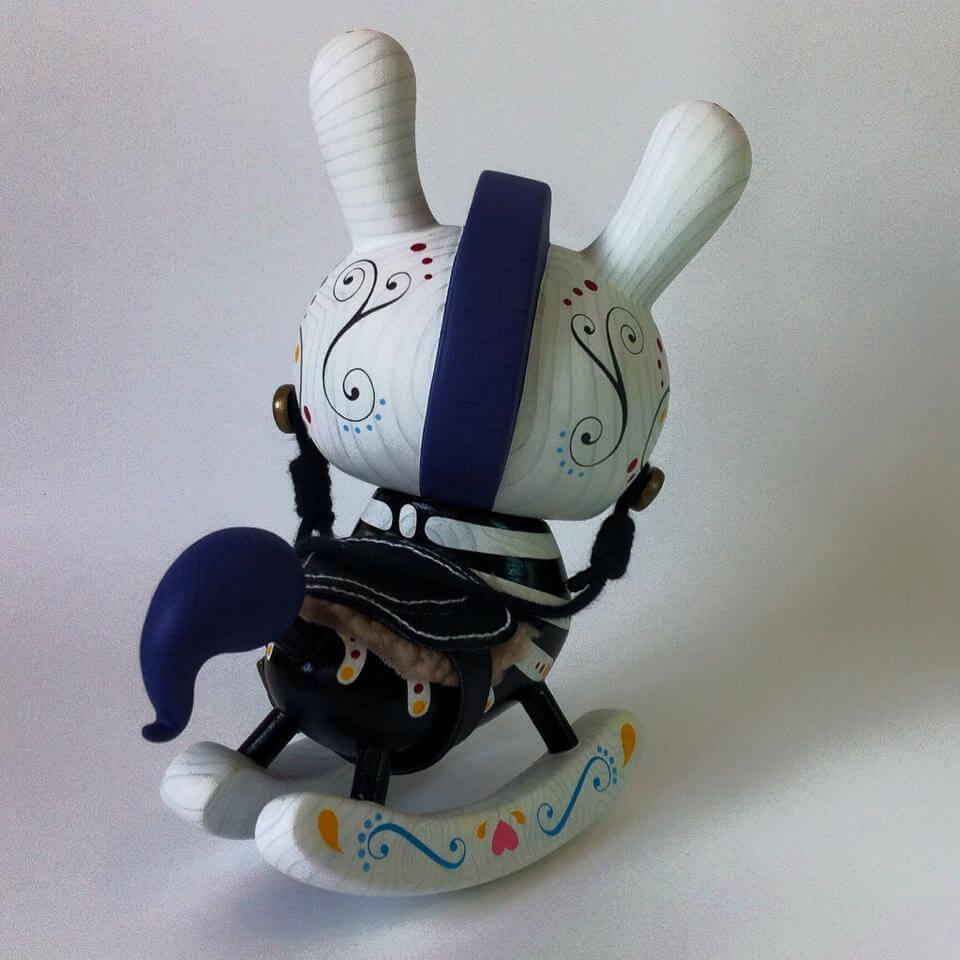 8inch The-death-of-Innocence-Dunny-by-Igor-Ventura-Kidrobot Dia de los muertos back