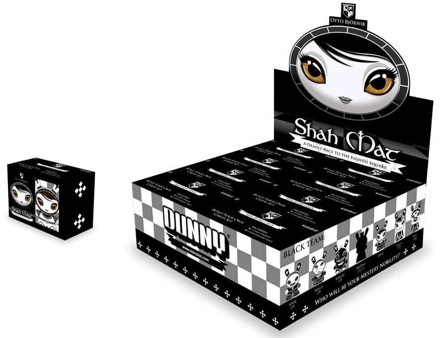Bjornik kidrobot Dunny Shah Mat Dunny Chess Set case
