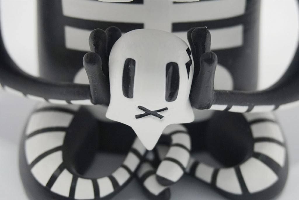 The Skull King By Nakanari x Nathan Jurevicius skull