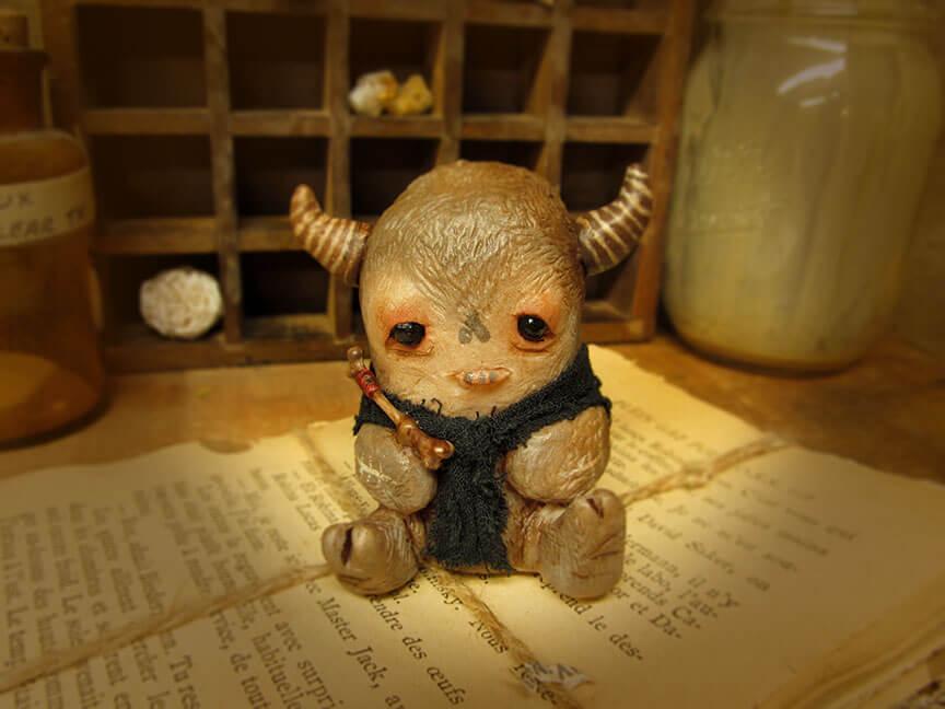 yosiell_lorenzo_bone_amulet_sickling