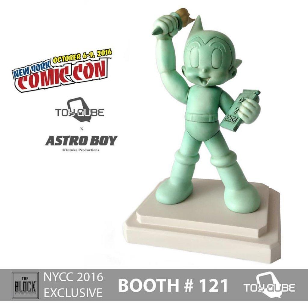 astro-boy-nycc-2016-by-toyqube-x-tezuka