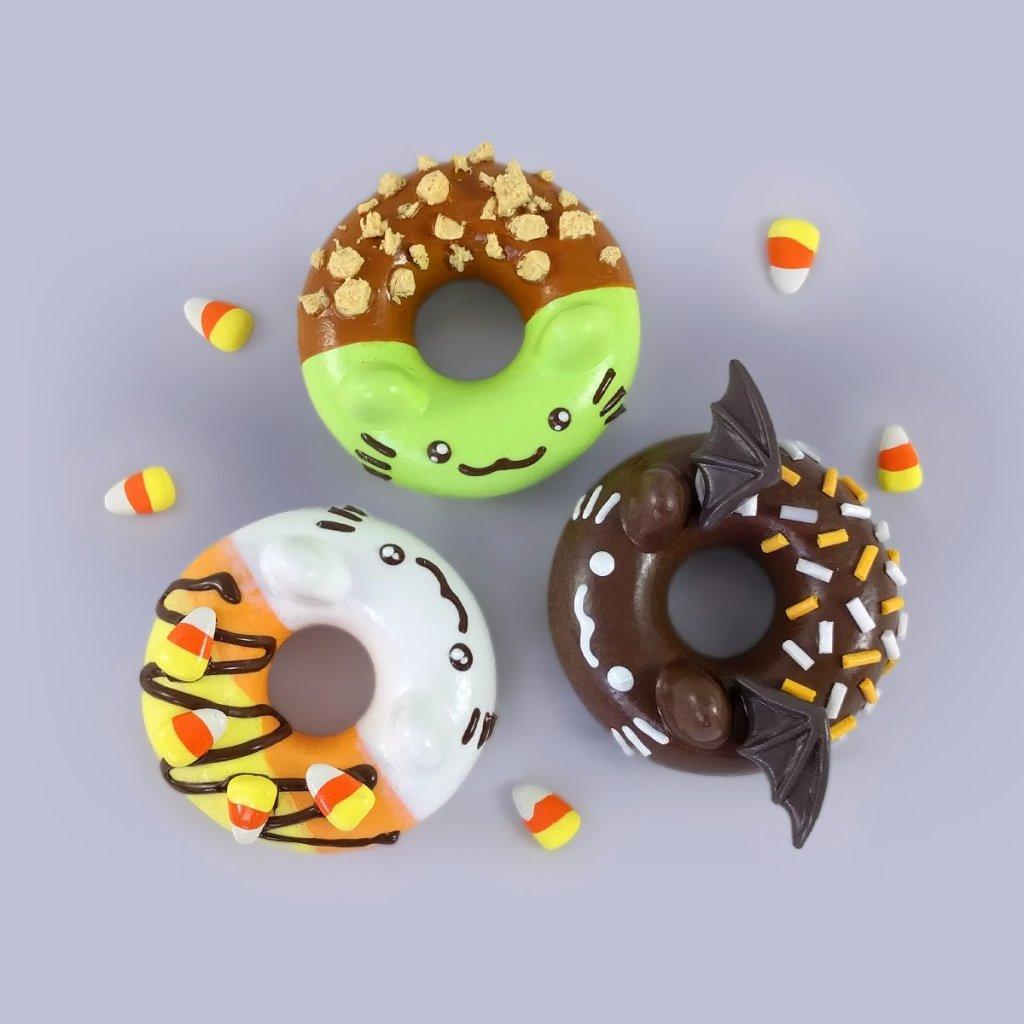 donatsu-halloween-editions-by-mj-hsu-top-view