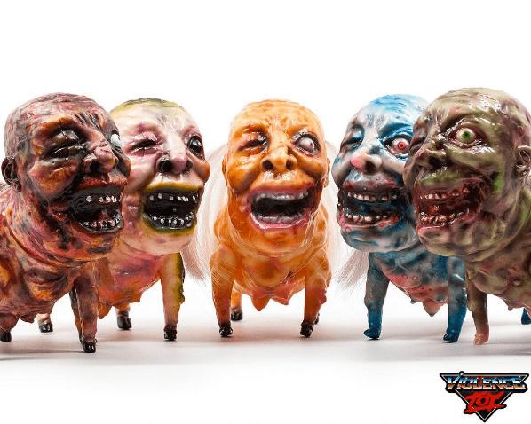 pig-pig-man-by-kaiju-tan-x-violence-toy-front