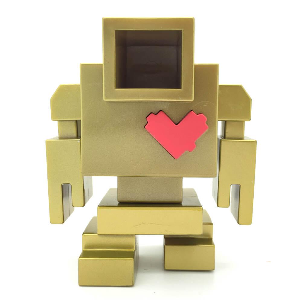 the-gold-lovebot-by-matthew-del-degan-x-mindzai