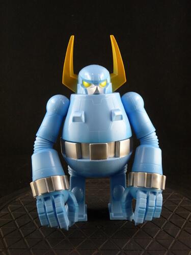 knuckle-bear-retro-robot-by-touma