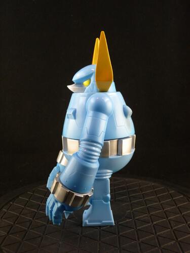 knuckle-bear-retro-robot-by-touma-blue