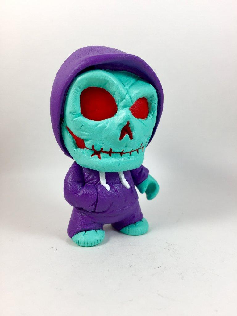 8-bit-bobby-eyehart-toys-1