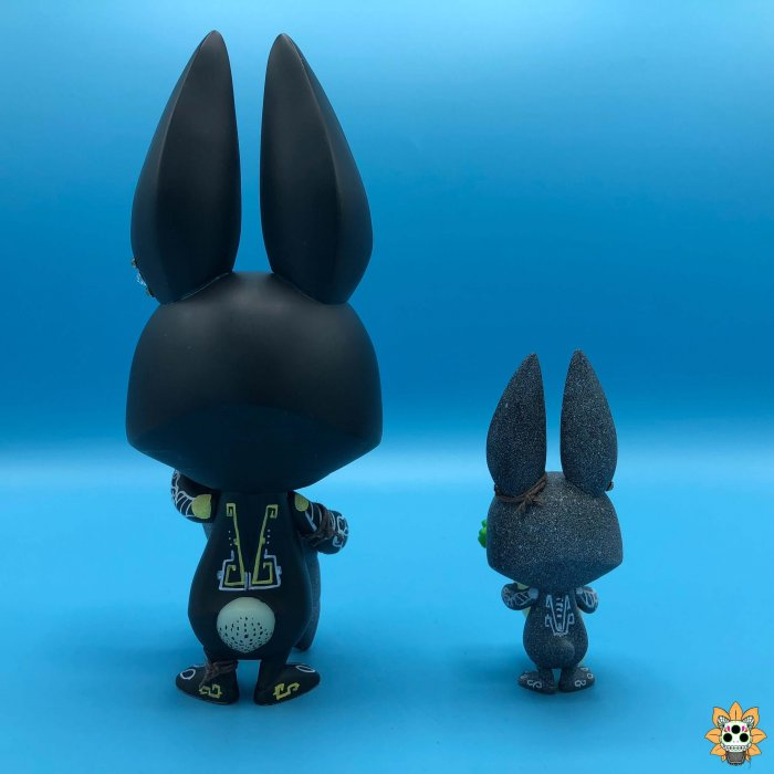 conejitos de la muerte death bunnies By Ink Visuals COARSE x PLAYHOUSE Nibble and Root GID back