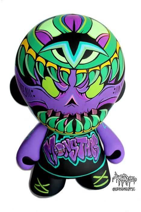 monstro-azteca-jesse-hernandez-nba-kidrobot-munny