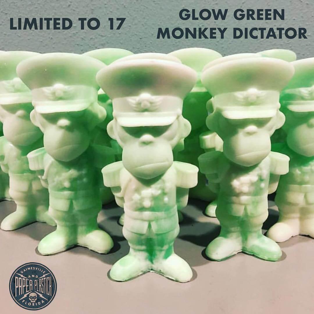 green-glow-monkey-dictator-paper-plastick