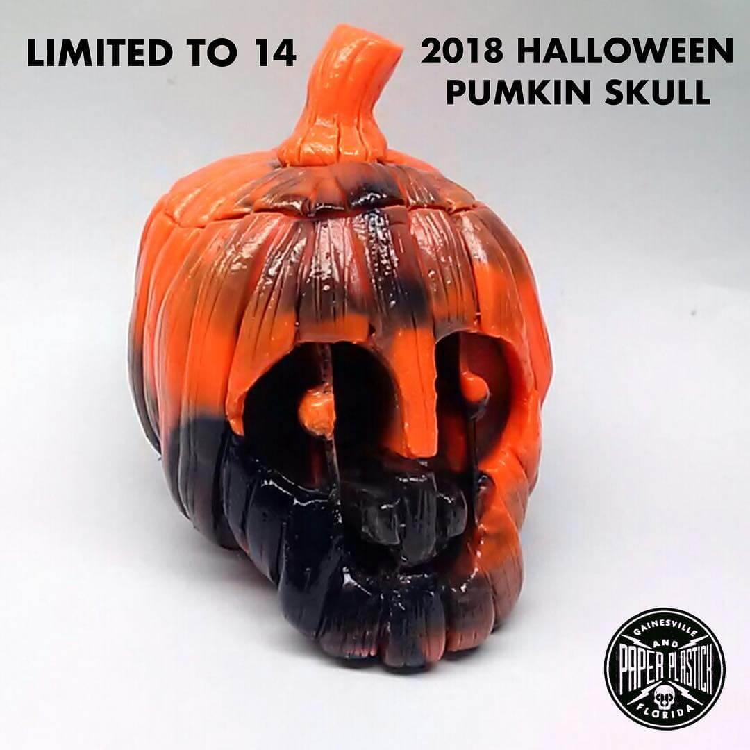 halloween-pumpkin-skull-paper-plastick