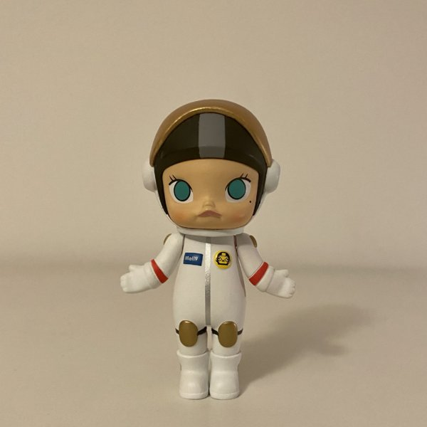 astronaut-white-molly-career-series-two-popmart