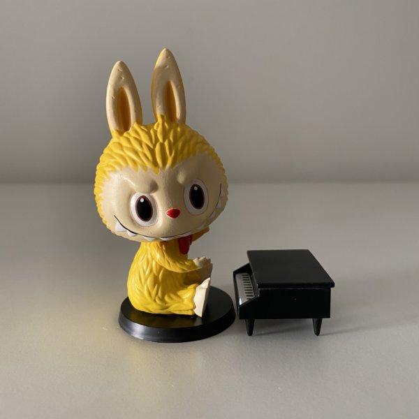 forest-concert-labubu-popmart-piano