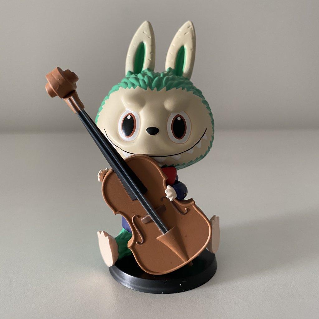 forest-concert-labubu-popmart-violin