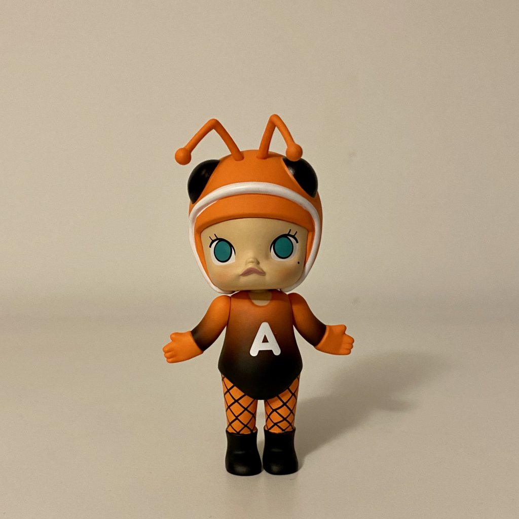molly-bugs-s1-popmart-kennyswork-ant