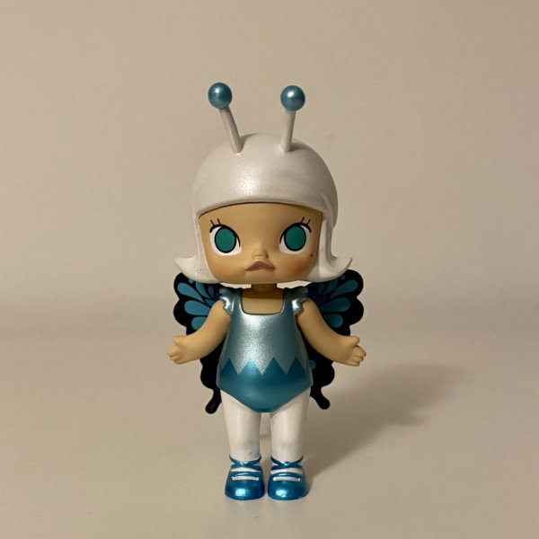 molly-bugs-s1-popmart-kennyswork-blue-monarch