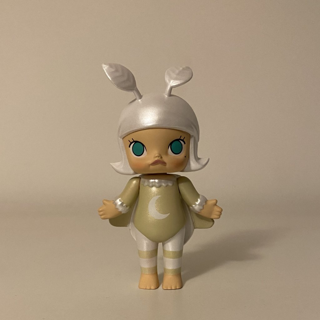 molly-bugs-s1-popmart-kennyswork-moth
