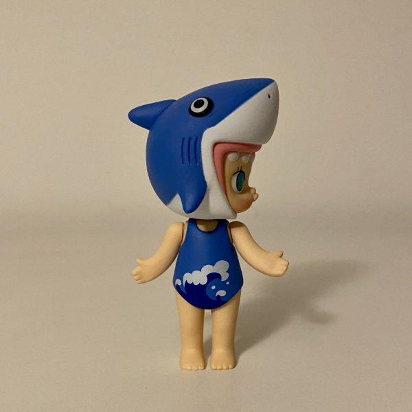 ocean-molly-popmart-kennyswork-shark