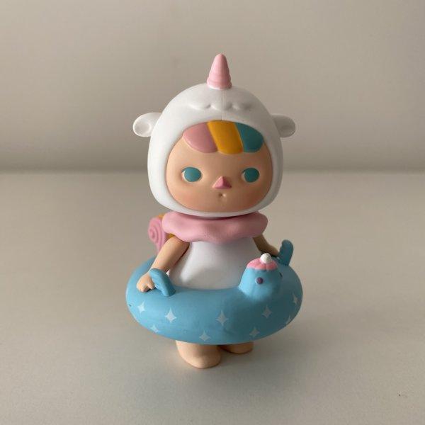 pucky-pool-babies-popmart-unicorn-baby