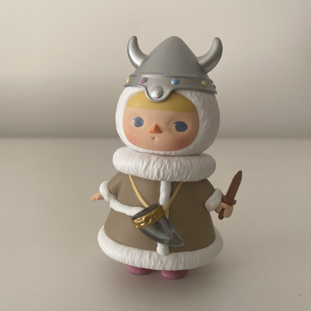 pucky-winter-babies-popmart-viking-baby
