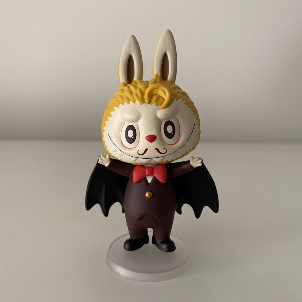 the-monsters-carnival-popmart-kasinglung-vampire-lord