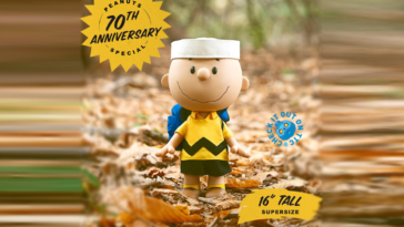 Peanuts-Big-Vinyl-Charlie-Brown-super7-featured