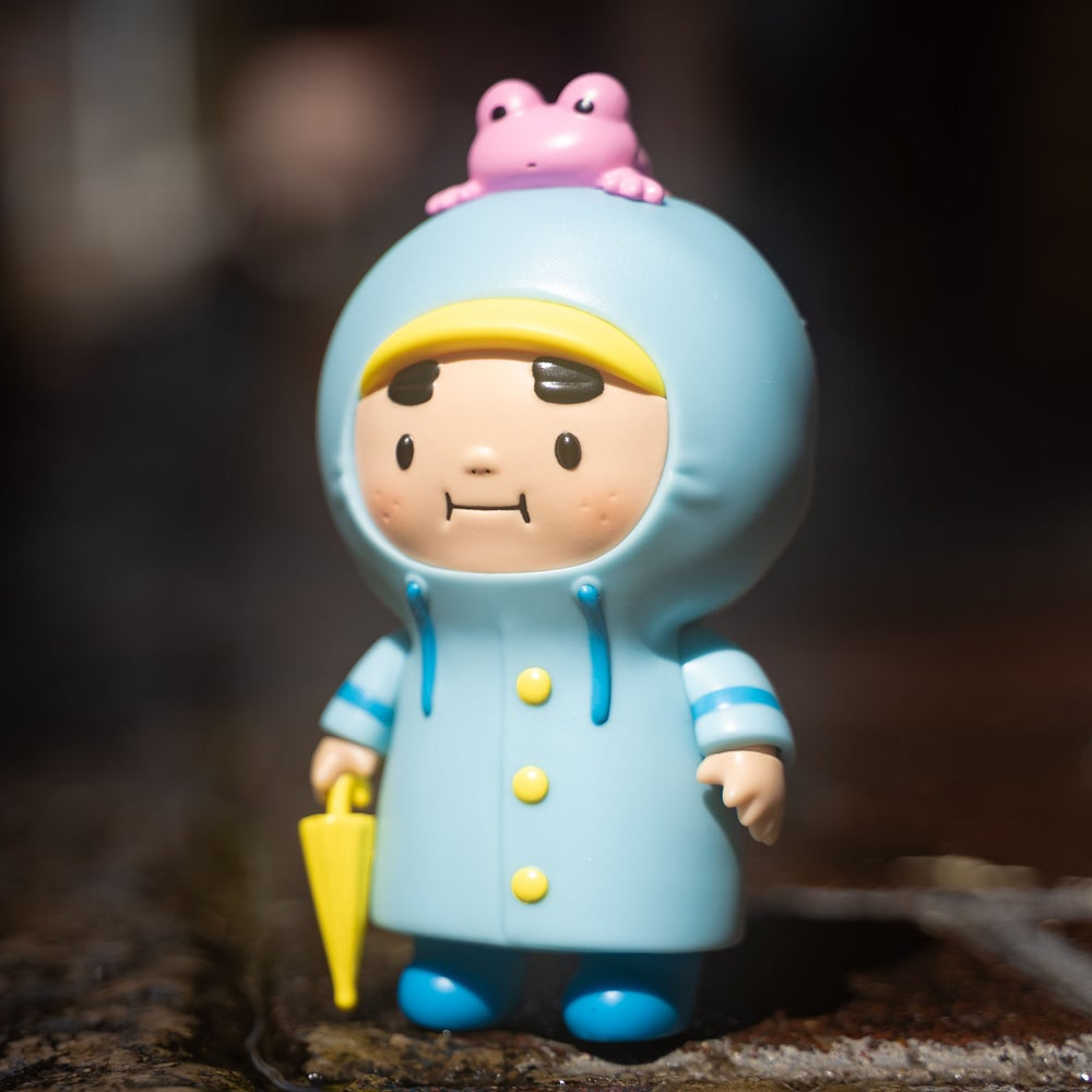 Online Shop Trend Now CHUBBY-OJISAN-Blue-Raincoat-Edition-by-AMBER-x-Unbox-Industries-Online-Release-The-Toy-Chronicle-2021- The Toy Chronicle   CHUBBY OJISAN Blue Raincoat Edition by AMBER x Unbox Industries Online Release